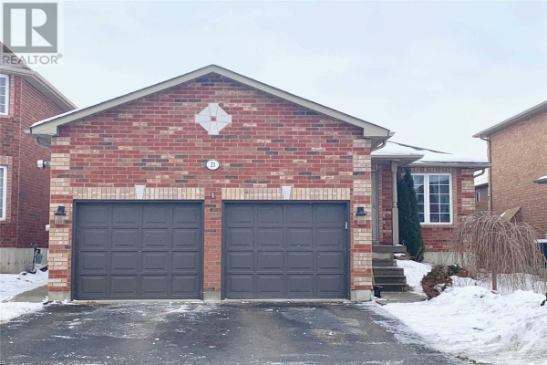 23 FENCHURCH MANR, Barrie