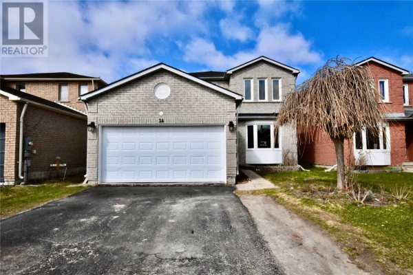24 BLAIR CRES, Barrie