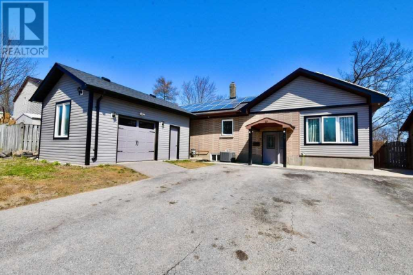 11 SHAW CRES, Barrie