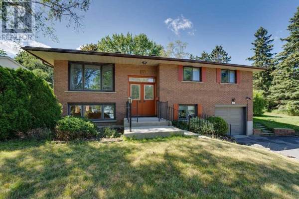 13 TOWER CRES, Barrie