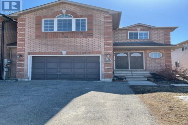 93 COURTNEY CRES, Barrie