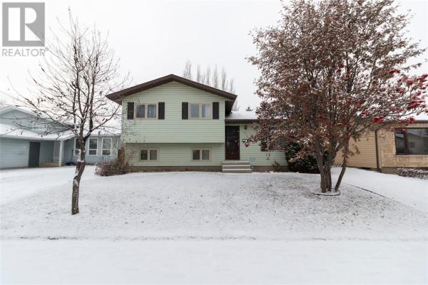 139 Rowles RD, Saskatoon
