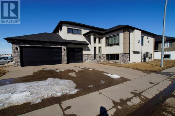 603 Manek RD, Saskatoon