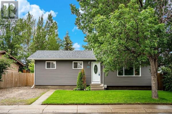 906 Kingsmere BLVD, Saskatoon