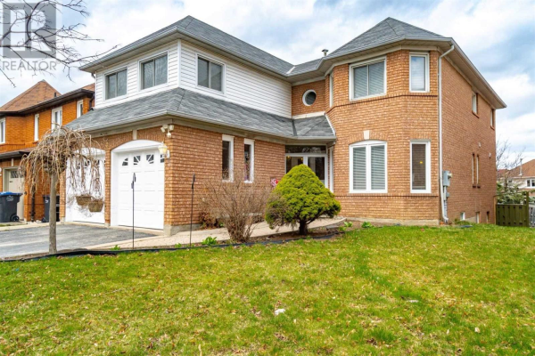 4 RED STAG RD, Brampton