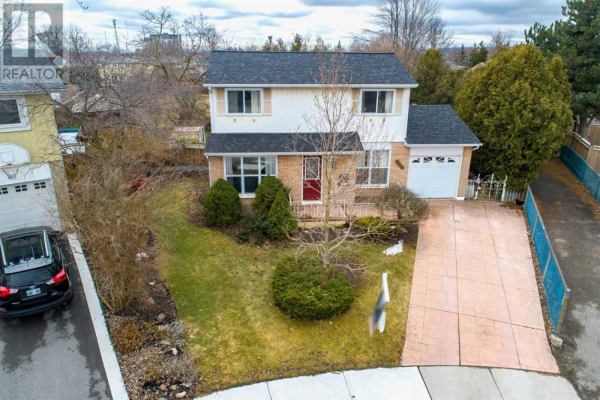 848 GOVERNORS CRT, Milton