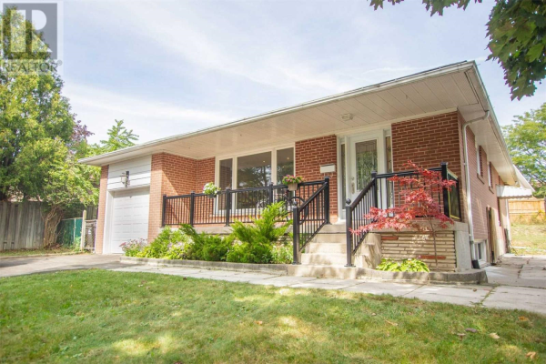 54 ROSKELL CRES, Toronto