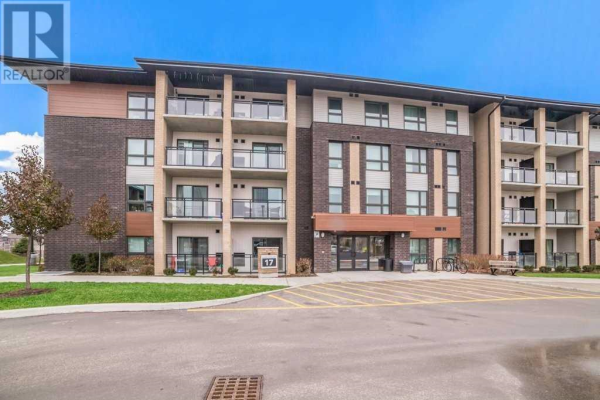 #101 -17 KAY CRES, Guelph
