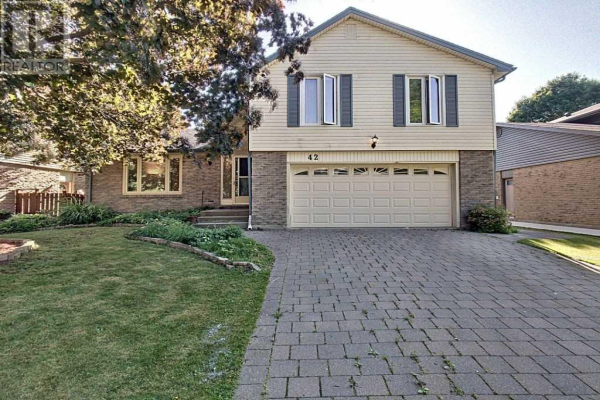 42 FOUR OAKS CRES, London