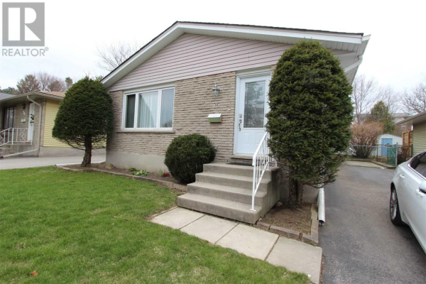 #MAIN FL -75 CEDARHILL CRES, Kitchener