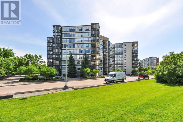 #908 -23 WOODLAWN RD E, Guelph