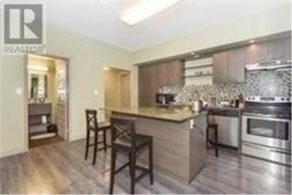 #605 -8 HICKORY ST, Waterloo