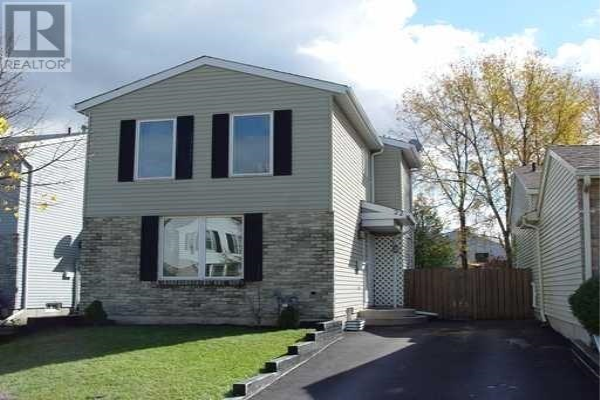 22 TIMBERLANE CRES, Kitchener