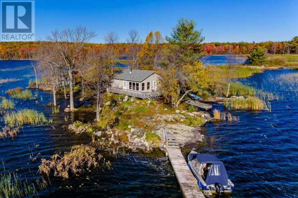 1110 ISLAND, Georgian Bay
