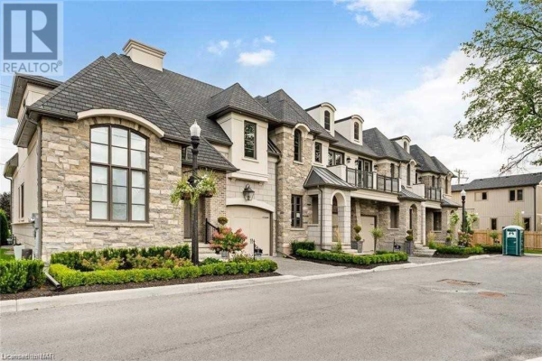 #11 -11 ARBOUR VALE, St. Catharines