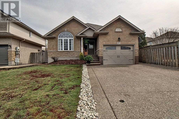 97 GRIFFITH DR, Grimsby