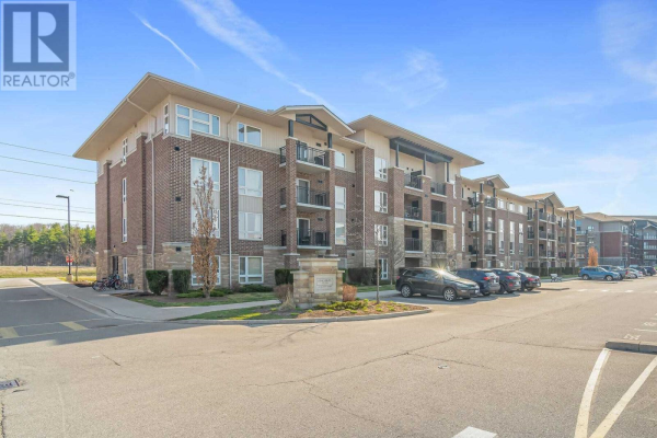 #412 -45 KINGSBURY SQ, Guelph
