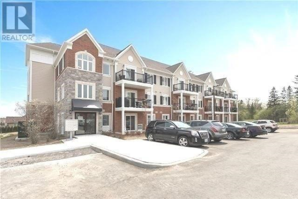#203 -910 WENTWORTH AVE, Peterborough
