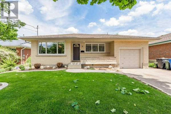 7 SHIRLEY AVE, Guelph