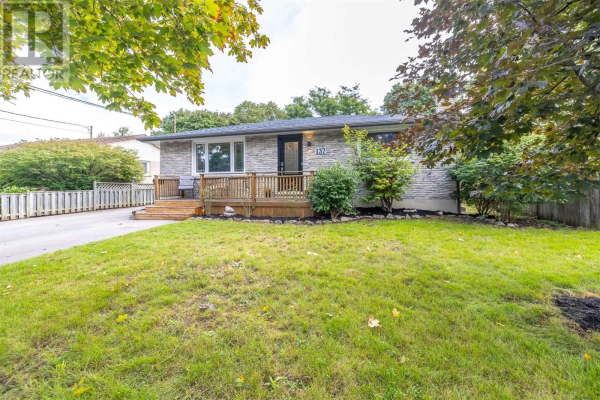 137 COUNTRY CLUB DR, Guelph