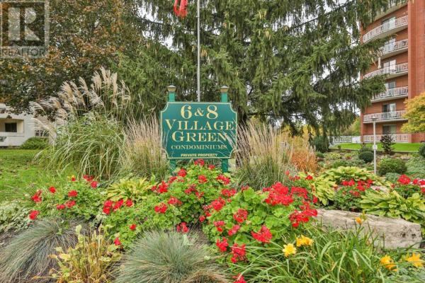 #712 -8 VILLAGE GREEN, Hamilton