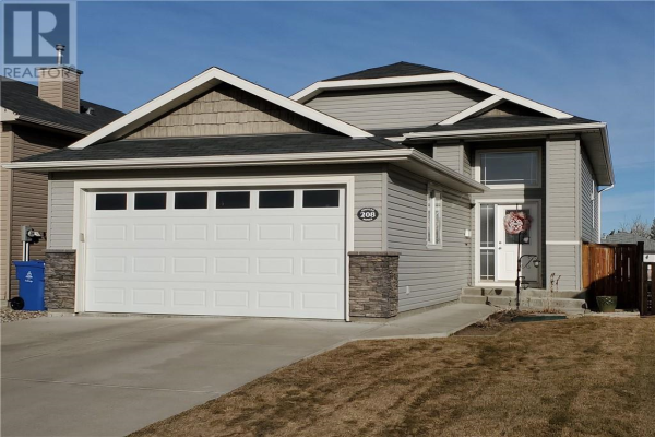 208 Tartan Circle W, Lethbridge
