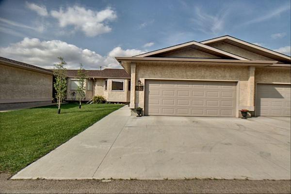 133 Knottwood Road N, Edmonton