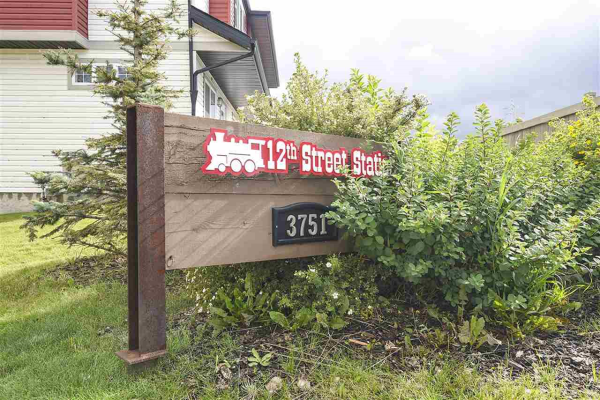 39 3751 12 Street, Edmonton