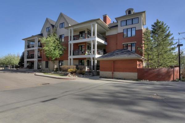 102 9803 96A Street, Edmonton