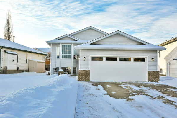 9 COLONIALE Court, Beaumont