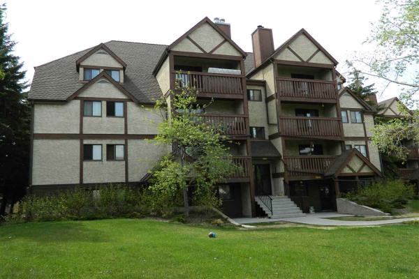 8022 Tudor Glen, St. Albert