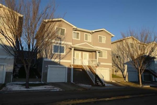 22 130 HYNDMAN Crescent, Edmonton