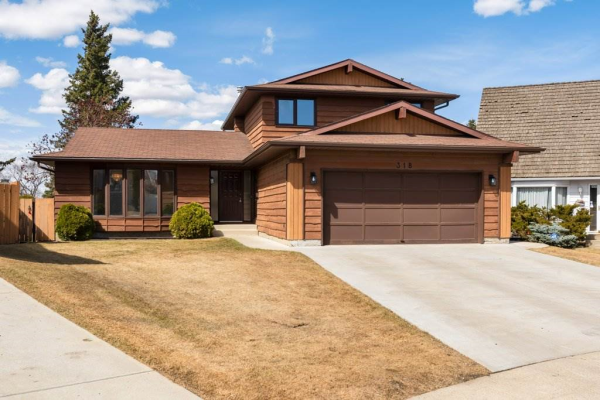318 Grand Meadow Crescent, Edmonton