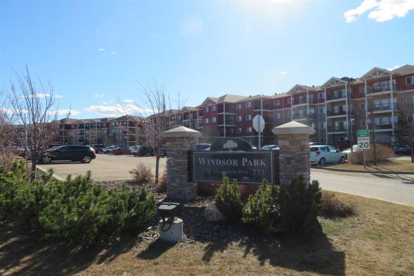 313 271 CHARLOTTE Way, Sherwood Park
