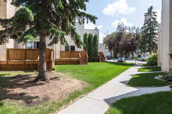 1133 KNOTTWOOD Road, Edmonton