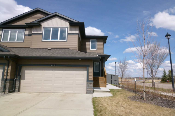425 GENESIS Court, Stony Plain