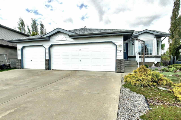 17 BELFRY FAIRWAY Crescent, Stony Plain