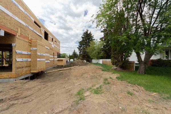 7706 139 Street, Edmonton