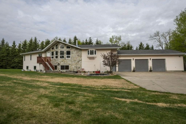 54134 RR 211, Rural Strathcona County