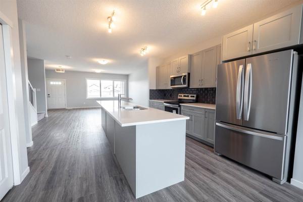 22339 93 Avenue, Edmonton