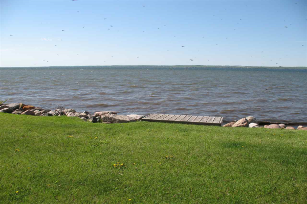 A25 Sandholm Beach, Pigeon Lake, Rural Leduc County