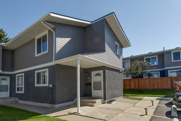 640 LAKEWOOD Road, Edmonton