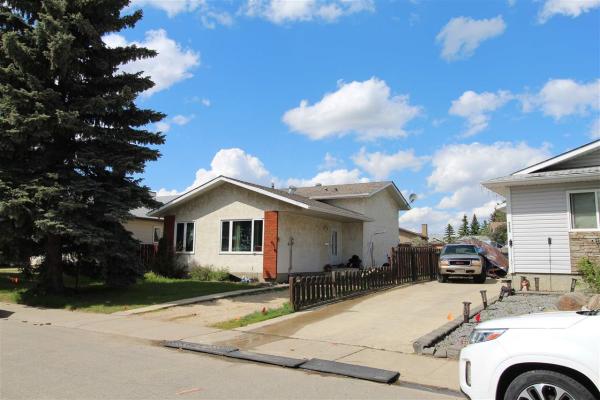 9408 176 Avenue NW, Edmonton