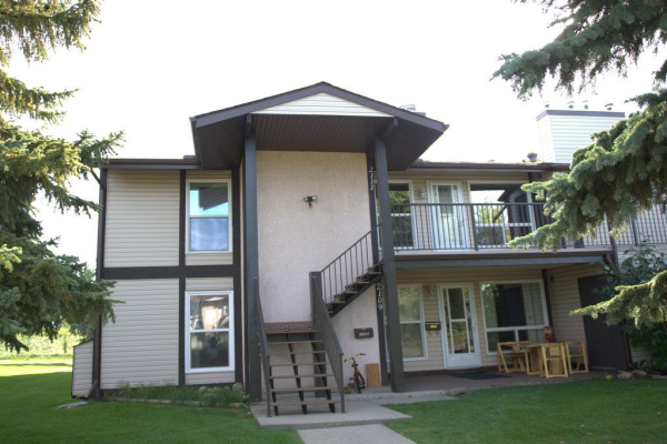 2111 SADDLEBACK Road, Edmonton
