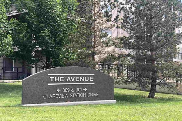 309 309 CLAREVIEW STATION Drive, Edmonton