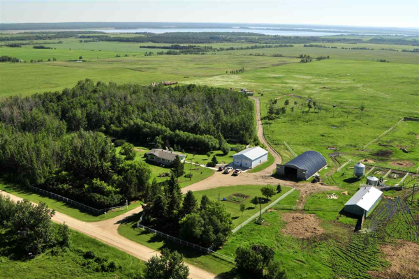56519 RR42, Rural Lac Ste. Anne County