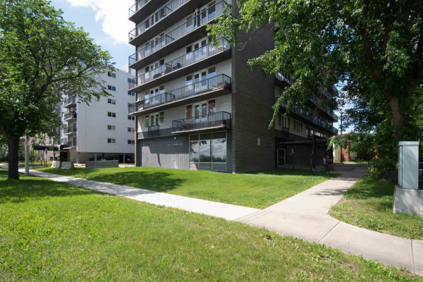 305 8306 Jasper Avenue NW, Edmonton