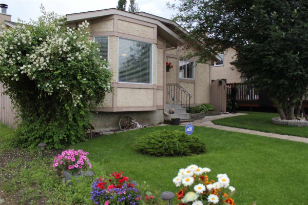 3711 41 Avenue, Edmonton