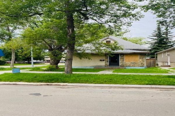 7002 105A Street, Edmonton