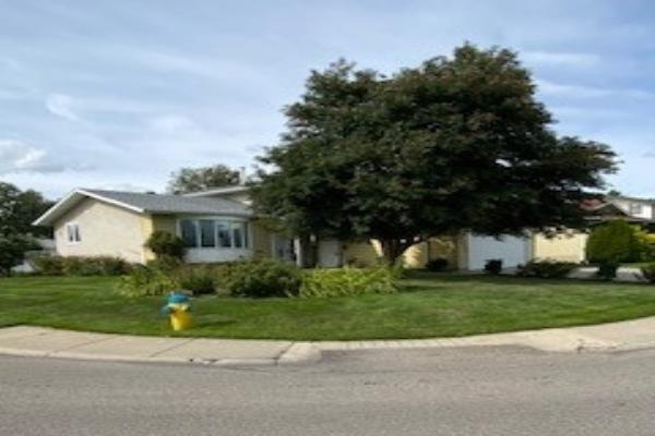 8012 181 Street NW, Edmonton